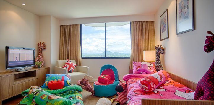 11-suite-family-fun-package-2