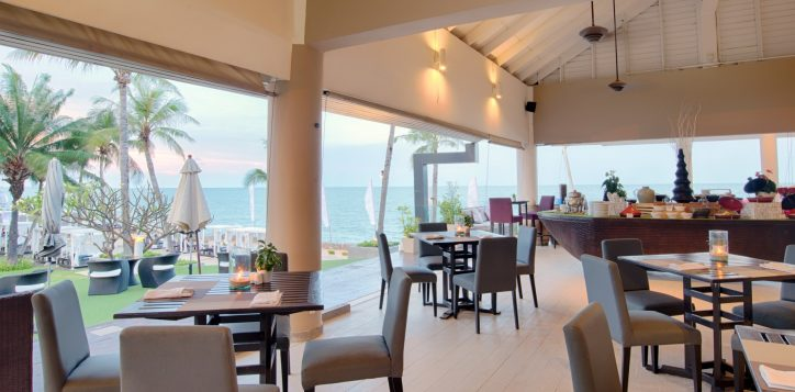 15-ocean-terrace-restaurant-2