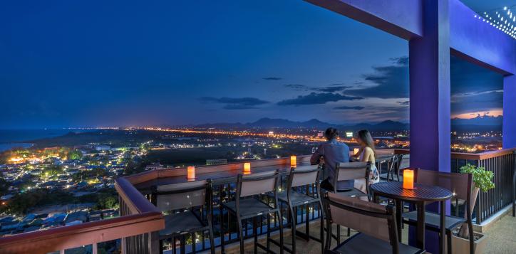 23-rooftop-bar1