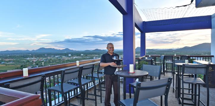 23-rooftop-bar2