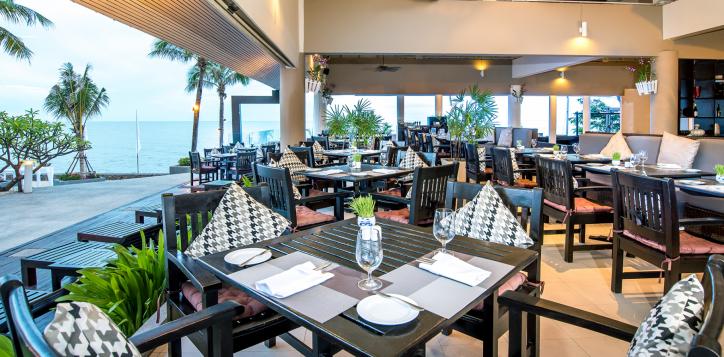 ocean-terrace-restaurant1-2