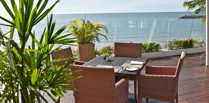 ocean-terrace-restaurant3
