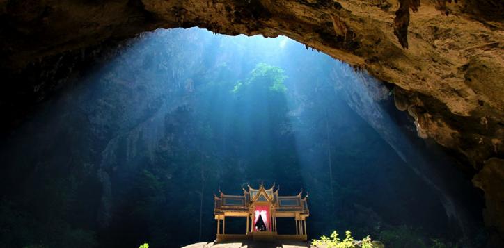 phraya-nakhon-cave-2
