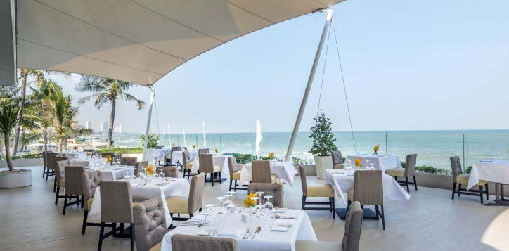 ocean-terrace-restaurant-2