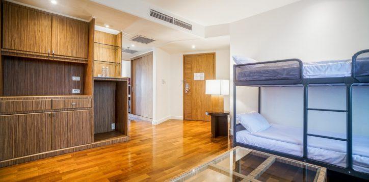 family-fun-suite-living-room-2